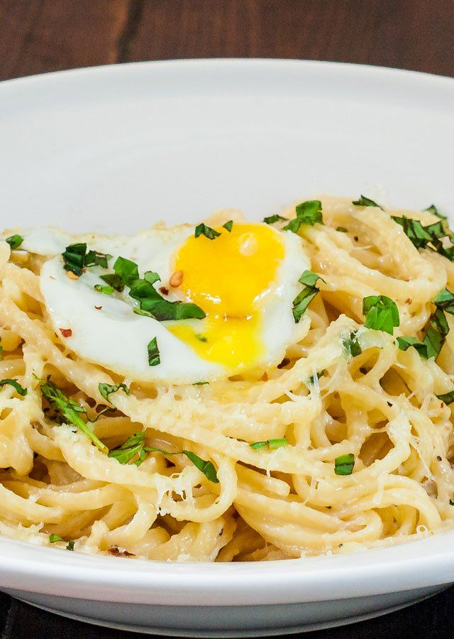 Lazy Linguini with Quail Eggs – easy and delicious creamy pasta served with a quail egg on top.