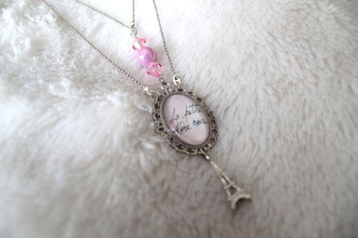 Collier ras du cou pendentif en cabochon en verre motif LA PETITE ROBE NOIRE : Collier par tom-fimo-creation