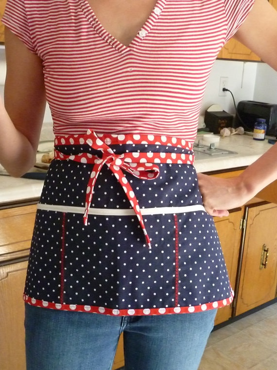 patriotic polka in the kitchen.: Kitchens, Red, Poke A Dot, Aprons, Pockets, Patriotic Polka
