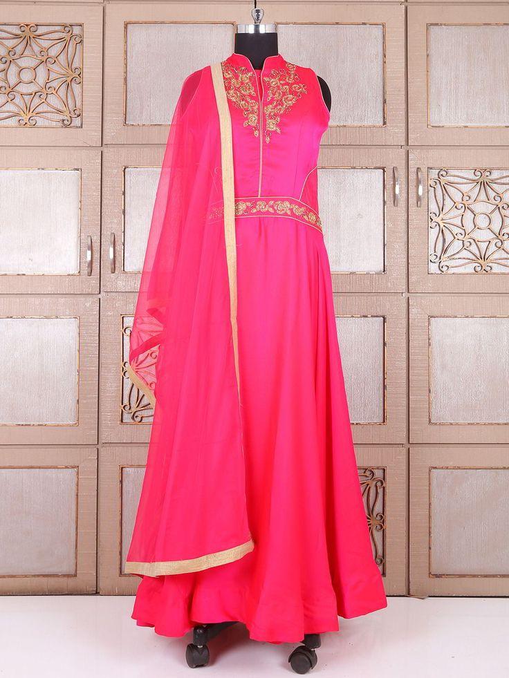 Длинное эксклюзивное платье цвета фуксии, без рукавов, украшенное вышивкой люрексом, бисером и стразами