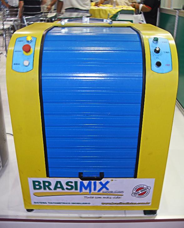 Máquina dosadora do Sistema Tintométrico Brasilux