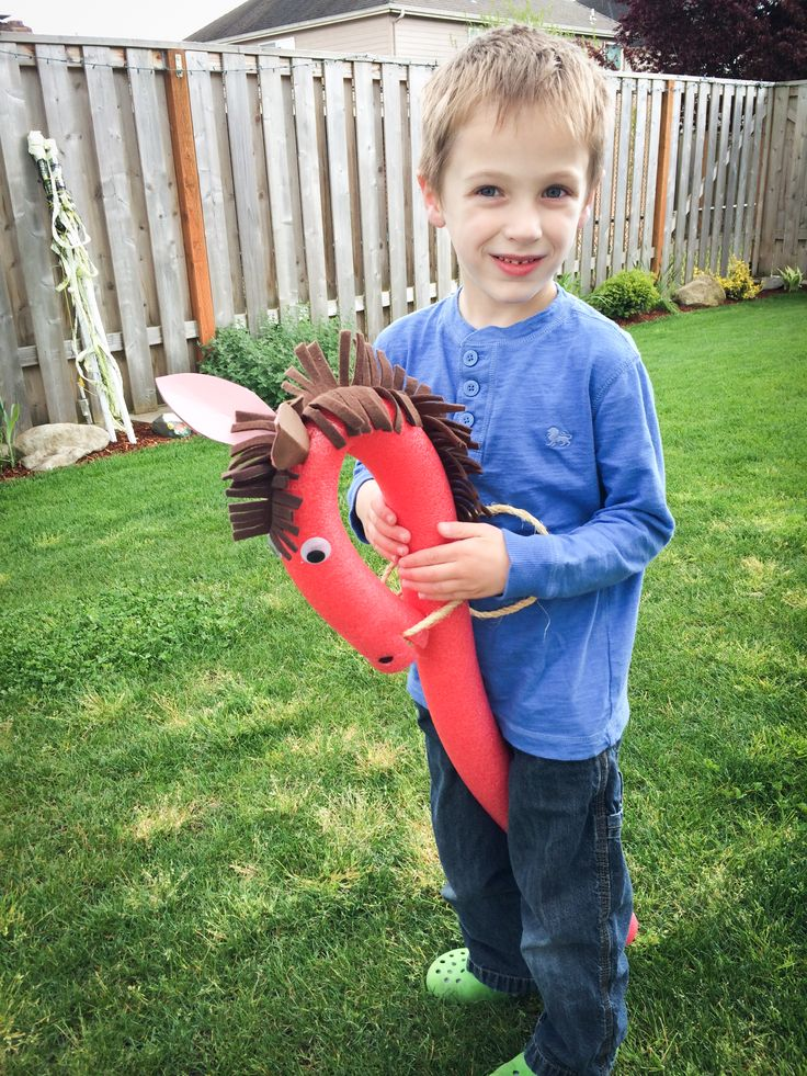 Super cute! Pool noodle horse tutorial - dollar store craft