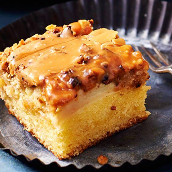 Appelkruimelcake met zoute karamel. Bijgerecht, 12 personen