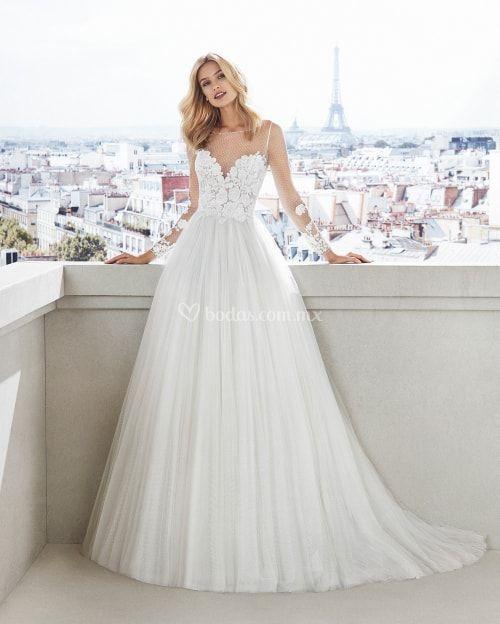 21692f4da 45 vestidos de novia que te harán ver más delgada  la dieta está en los  ojos