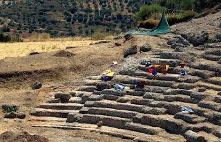 Έρχεται ο Σταύρος Μπένος.  Ξεκίνησε η αποκατάσταση στο Θέατρο Αρχαίας Αιγείρας Αποκλειστικό:  (10/8/11) οι εργασίες  αποκατάστασης του αρχαίου θεάτρου της Αιγείρας, που θα περιλαμβάνουν την ανάδειξη και βελτίωση της επισκεψιμότητας του χώρου,