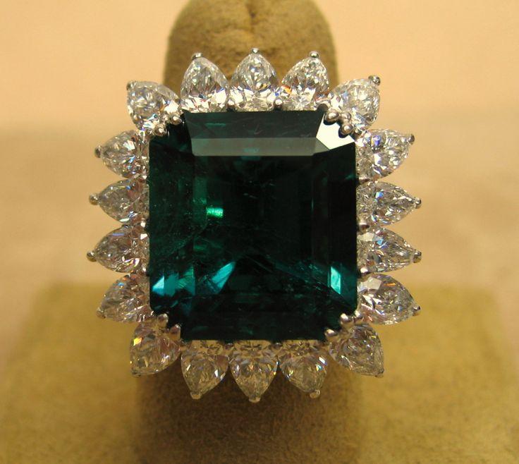 14 Carat Colombian Emerald Diamond Platinum Ring
