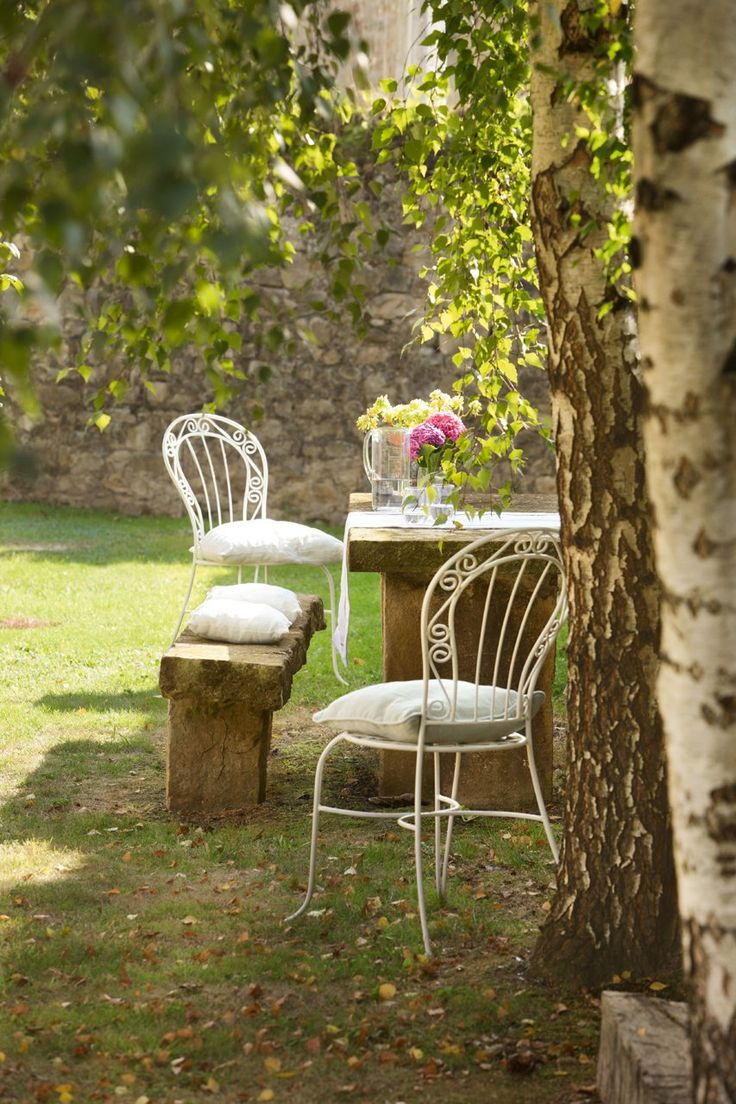 Diy mushroom chair - Best 25 Garden Table And Chairs Ideas Only On Pinterest Farmhouse Outdoor Dining Sets Outdoor Chairs And London Garden
