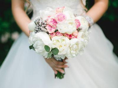 Пионы – самые романтические цветы для букета невесты