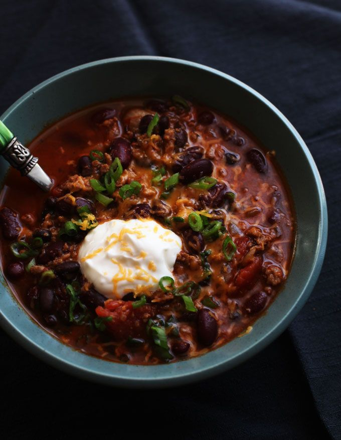 Homemade Chili Recipe--Everyone needs a fail-proof chili recipe that can please a crowd. This is it!: Dads Chilis Recipe, Black Beans, Healthy Chilis Recipe, Food, Homemade Chili Recipes, Turkey Chilis, Homemade Chilis Recipe, Ground Turkey, Chilli Recipes