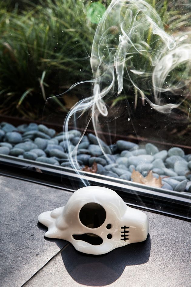 ✝☮✿★ SKULL ✝☯★☮ Melted Skull Incense Burner | DROOL'D