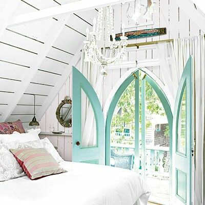 Lovely Beach Cottage Loft in Sherwin Williams Aquaduct & Pure White !