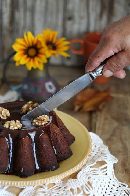 Dona Delícia - Atelier de Sabores: Bolo de Abóbora, Especiarias e Frutos Secos com cobertura de Caramelo Salgado