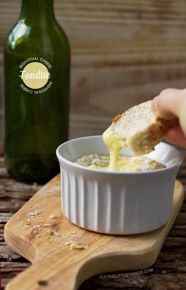 Individual Cheese Fondue | Christmas menu | Pinterest | Soldados ...