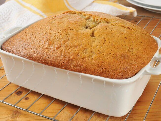 Made with vegetable oil, bananas, vanilla extract, eggs, Bisquick, sugar, nuts | CDKitchen.com