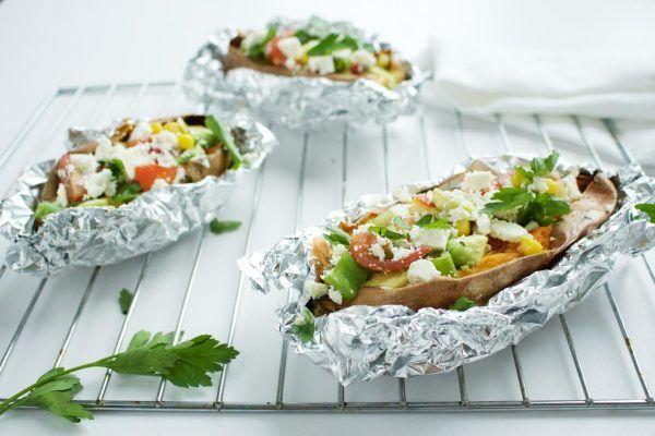 Gevulde zoete aardappel uit de oven of van de BBQ