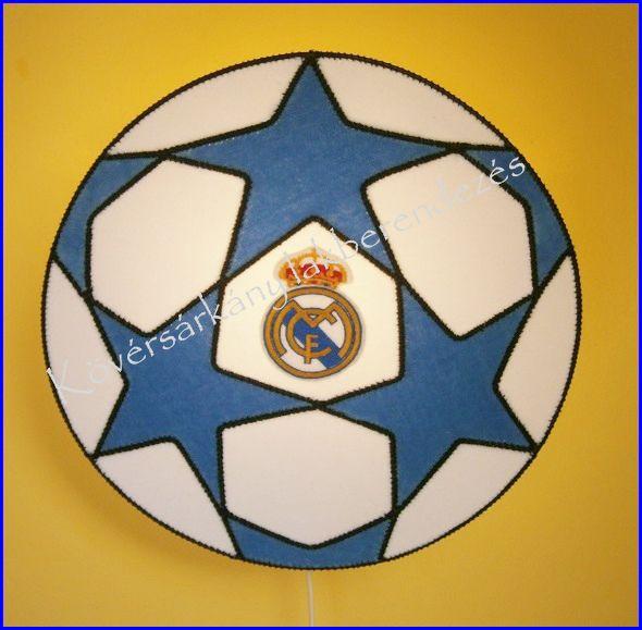 REÁL MADRID FOCILABDA Ára ufólámpatesttel: 12.000 Ft ( Ez a focilabda is egyedi kérésre készült) Rendelhető!