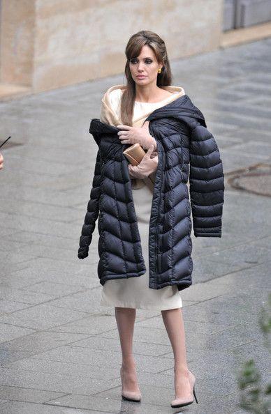 Angelina Jolie - Angelina Jolie Films 'The Tourist'