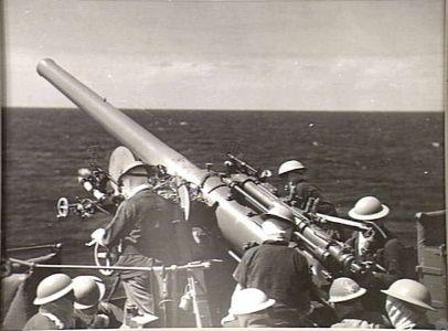 Manning the guns on the HMAS Sydney