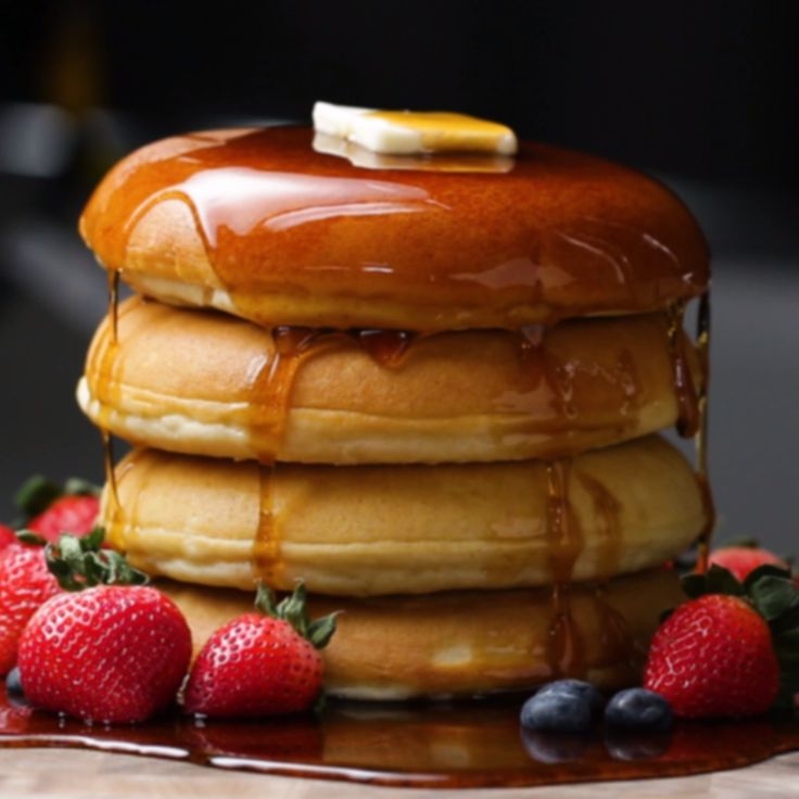 Fluffy Pancakes // #pancakes #breakfast