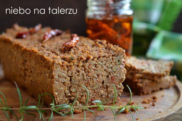 Pasztet z soczewicy i kaszy jaglanej nie tylko dla wegetarian, soczysty, dobrze doprawiony, świetnie smakuje z pieczywem i bez.