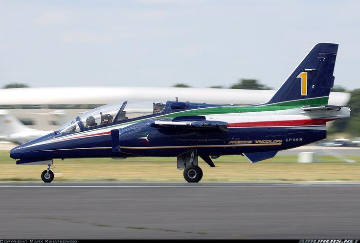 Alenia Aermacchi M-345 aircraft picture