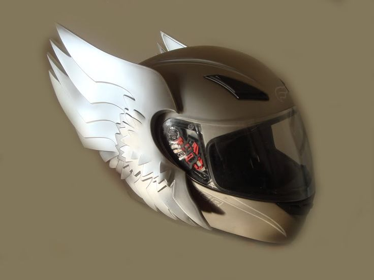 motorcycle helmet photo: Winged Motorcycle Helmet winged_motorcycle_helmet.jpg