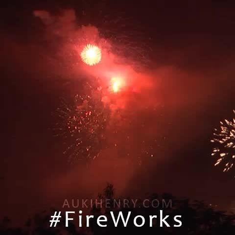 More #FireWorks from #TerritoryDay celebrations in Darwin, Australia.  http://www.aukihenry.com/2014/07/territory-day-fireworks-2014.html