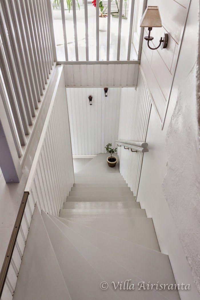 portaat, portaikko, kaunis koti, beautiful home, valkoinen sisustus, maalaisromanttinen