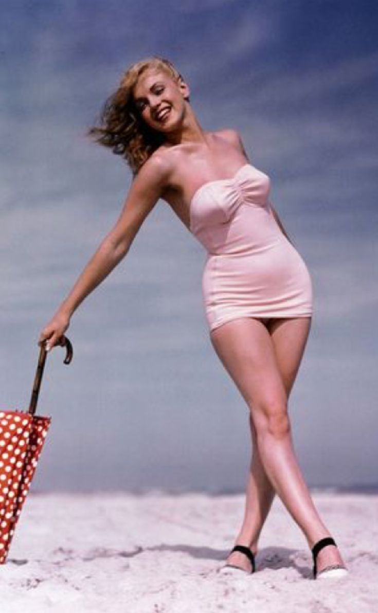 Marilyn Monroe hourglass body ideals | Vintage fashion in ...