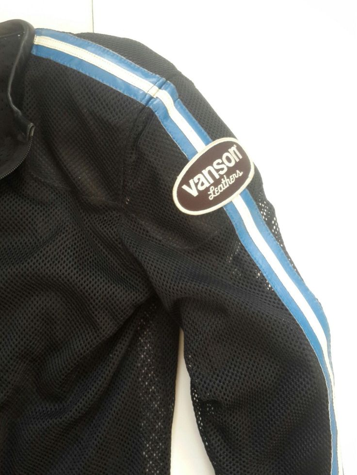 Vanson Vent Max Series w/Italian Stripes Perforated Velociraptor  Motorcycle Jacket (Armor Extra) Size M    This is pre-owned Vanson perforated jacket    Overall in great shape    No rips,no damage    Comes from pet free,smoke free environment    Specs:    1000 Denier Cordurs Nylon Mesh  %90 Nylon   %10 Leather  Reinforced with leather in shoulder and elbow impact zones  CE approved shoulder, elbow and back armor included  Low bulk leather bead style collar and cuffs  Black Mesh only    ...