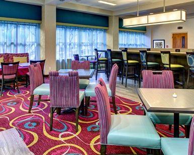 Hampton Inn Miami-Coconut Grove/Coral Gables Hotel, FL - Breakfast area