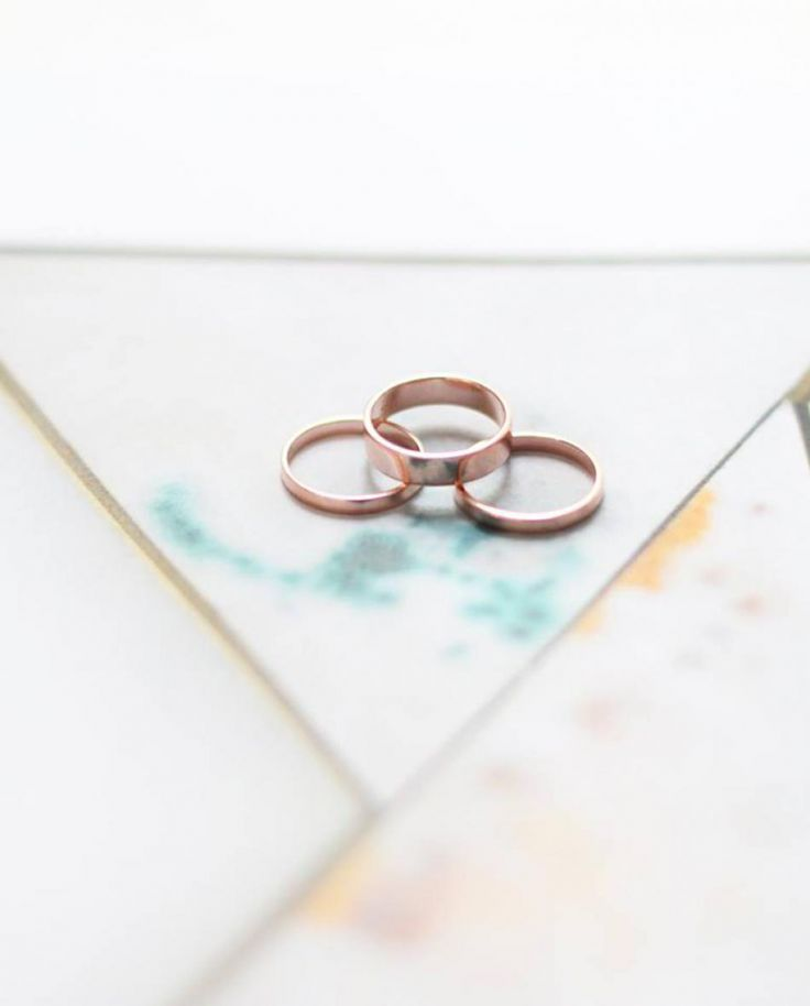A love for high polished rose gold rings