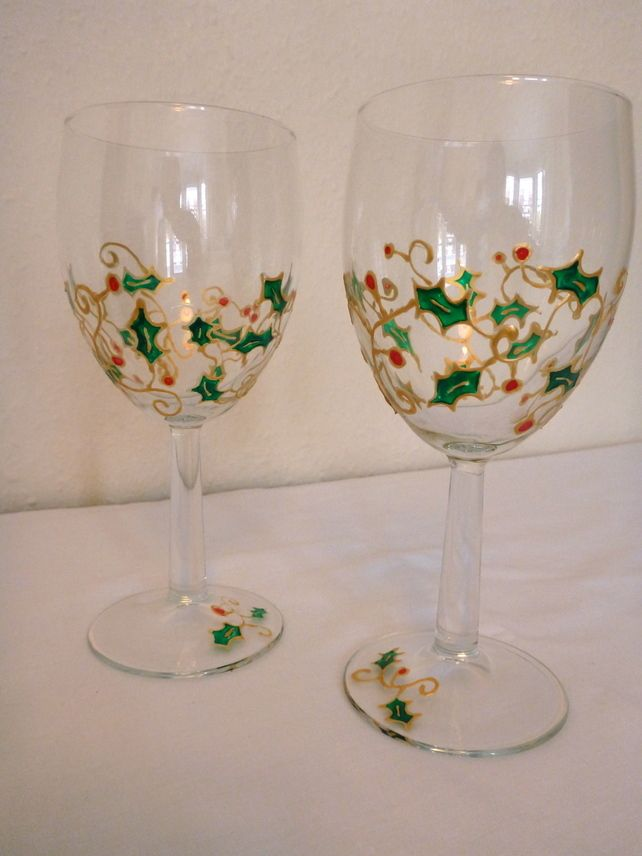 hand painted christmas wine glasses holly and berry gold