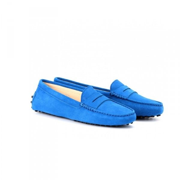 Elvis' Bday Calls For Blue Suede Shoes | The Zoe Report