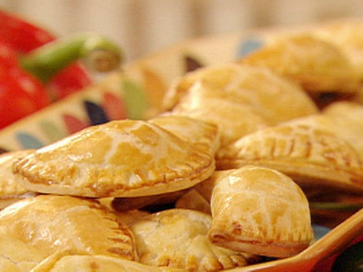 Get this all-star, easy-to-follow Chicken Empanadas recipe from Paula Deen. Add salsa so it's not dry.