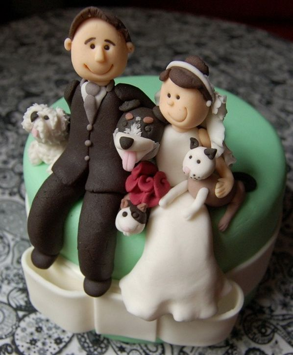 Amazing and Funny Wedding Cake Toppers @Beth J Rubin Ruckman this is egoing to be Natalie's cake topper! I want this but with 4 white dogs and 2kitty meows
