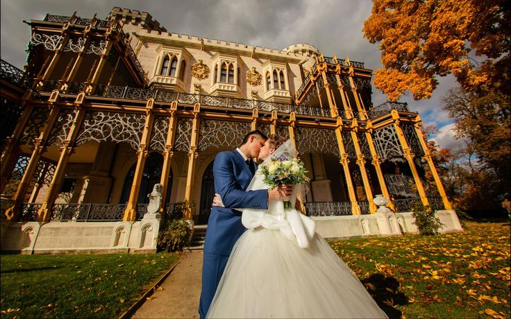 A Castle Hluboka nad Vltavou wedding / wedding portraits at Hluboka Castle