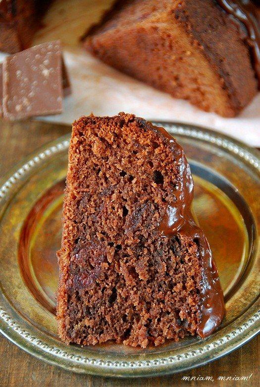 Murzynek z konfiturą wiśniową i polewą czekoladową | Słodkie Przepisy Kulinarne