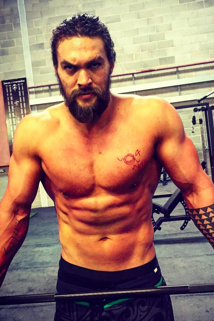 Momoa for motivation! The former Game of Thrones hottie has been hard at work prepping for his role as Aquaman — he's definitely achieved superhero status in our eyes.