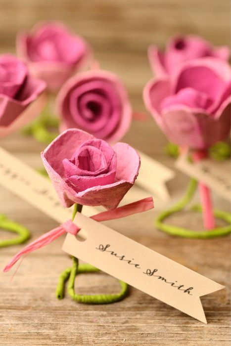 diy paper rose escort cards made from egg cartons