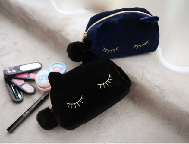 1000 ideas about maquillage de chat on pinterest art d - Trousse de rangement maquillage ...
