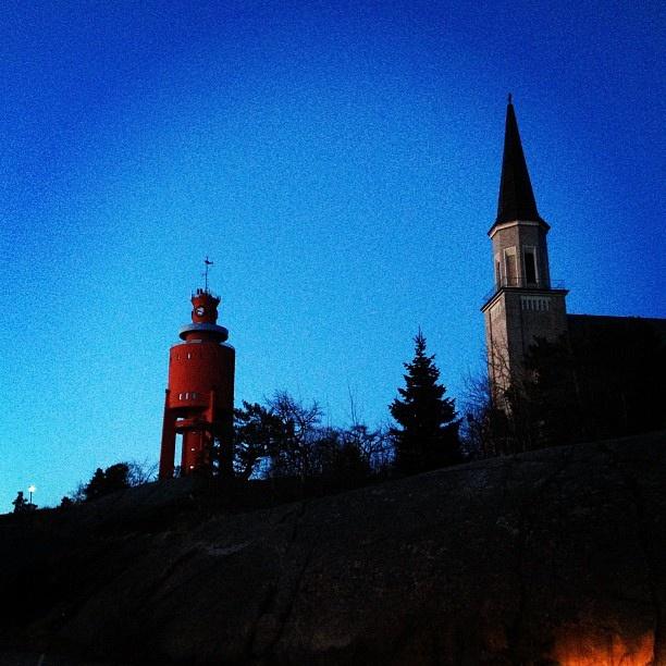 Vattentorn och kyrkan