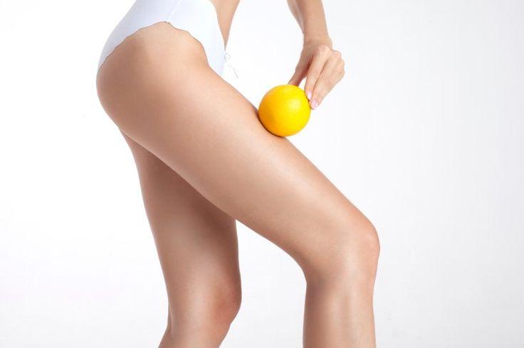 Straffe Haut ist ein Schönheitsideal, das für nicht wenige Frauen ein großer Wunsch ist - und Sie müssen gar nicht einmal so viel dafür tun, um dieses Ziel zu erreichen. In diesem Artikel zeigen wir Ihnen, wie Sie schnellstmöglich Ihre Haut straffen und dabei gleichzeitig etwas für Ihre Gesundheit tun!