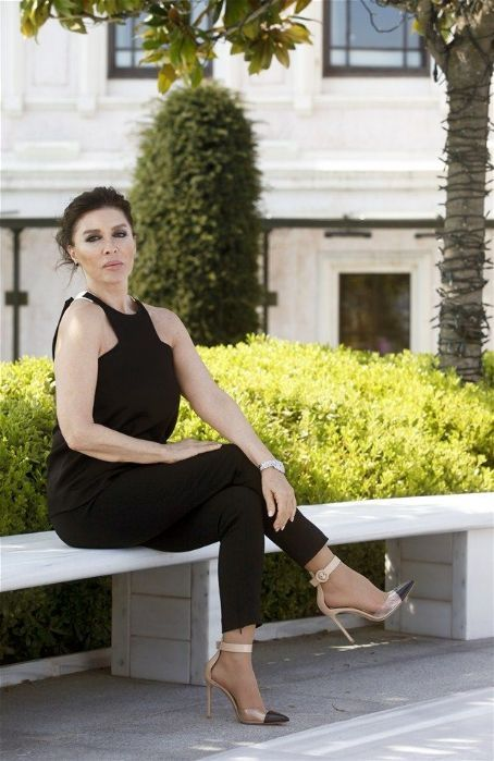 Nebahat Çehre Photos - Nebahat Çehre Picture Gallery - Who's Dated Who?