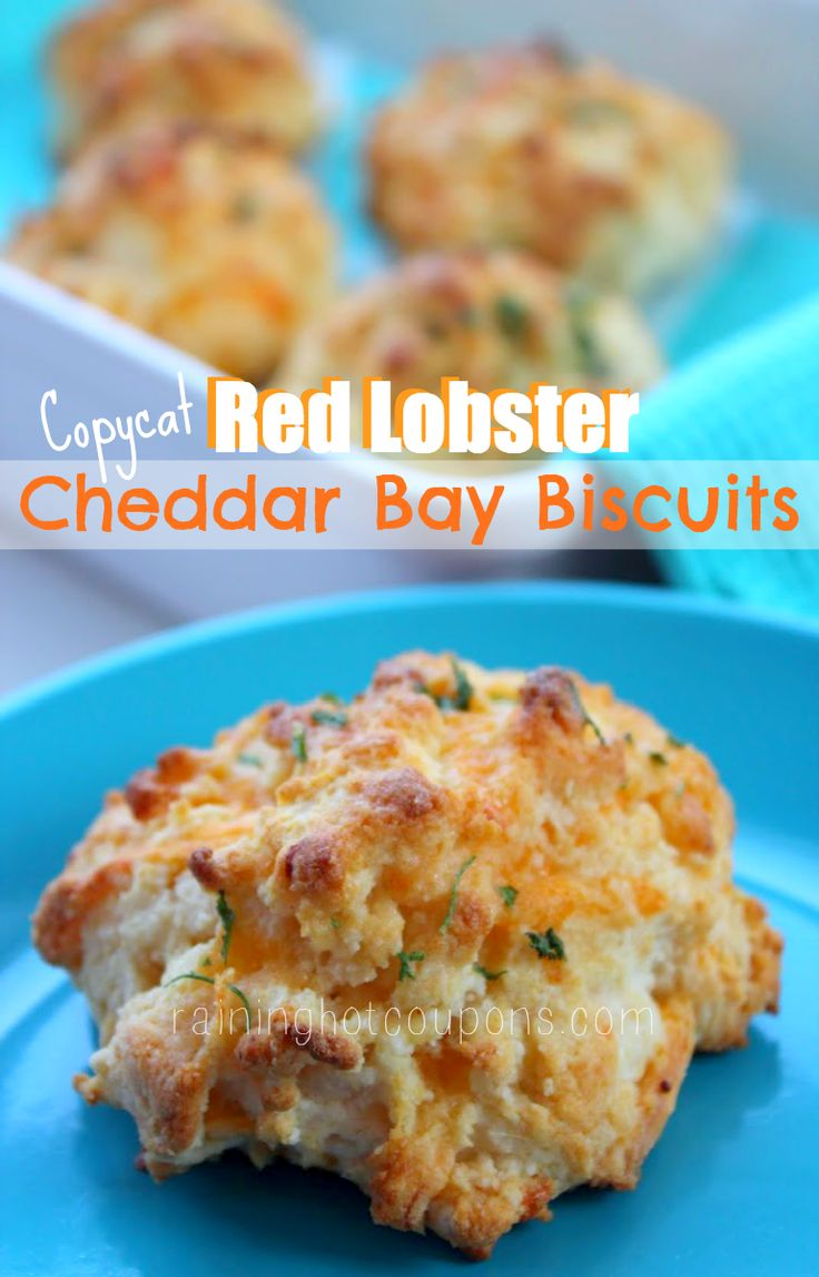 Copycat Red Lobster Cheddar Bay Biscuits - never ate at a Red Lobster...but these would be great to make w/ leftovers from our family clambakes!