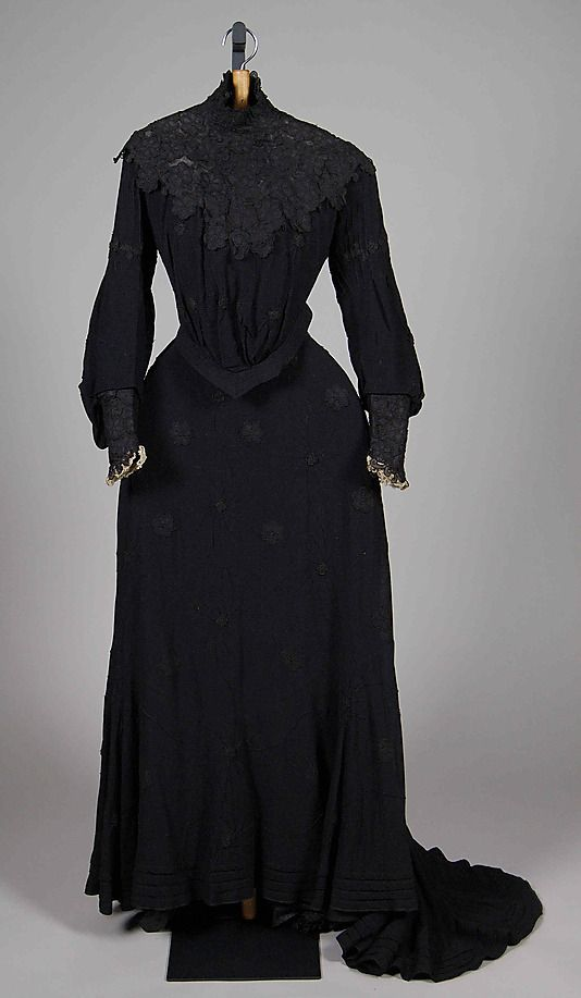 Empress Maria Feodorovna mourning dress, wool and silk ca. 1903