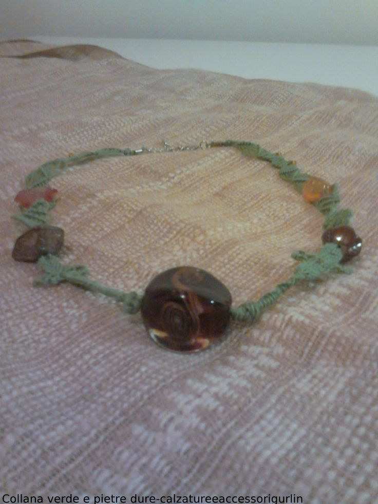 Collana verde e pietre dure