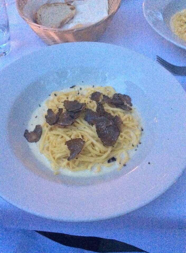 Tagliolini con Tartufo Fresco Scorzone #tartufo #food #madeinitaly #truffle #blacktruffle #scorzone #italianfood #munich #germany