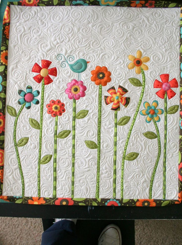 Crazy Old Ladies Quilts: Look Now!