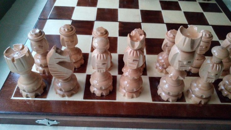 Big original handcarved wooden chess set from Handmadechess by DaWanda.com